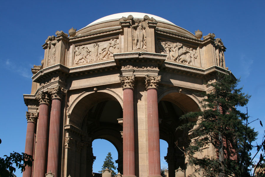 The rotunda at the heart of the Palace of Fine Arts.