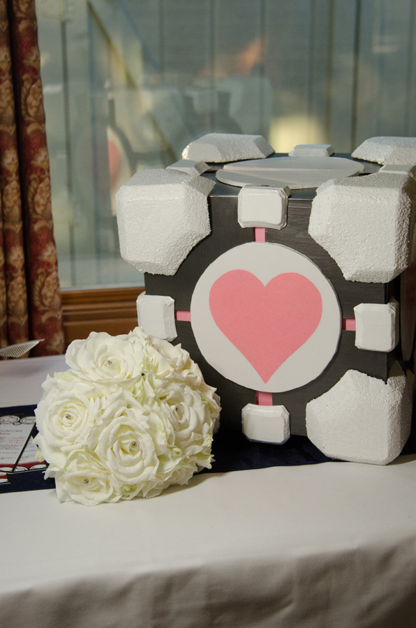 Portal Companion Cube Card Box